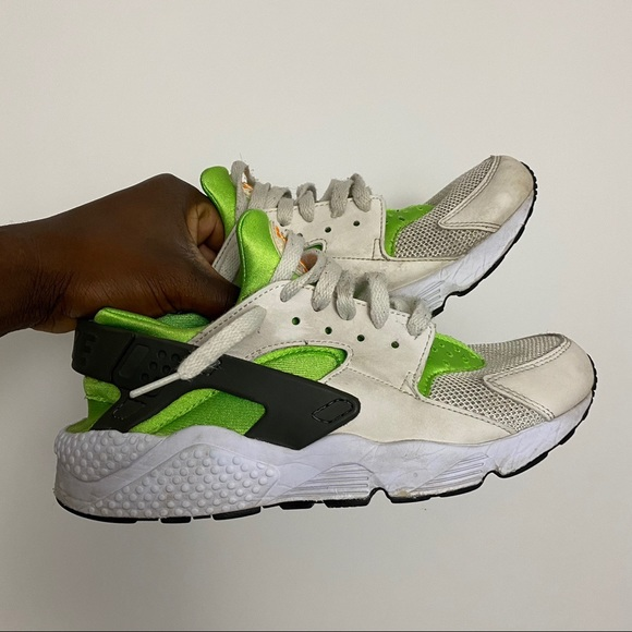 Nike air huarache action green. Size 8 in men's